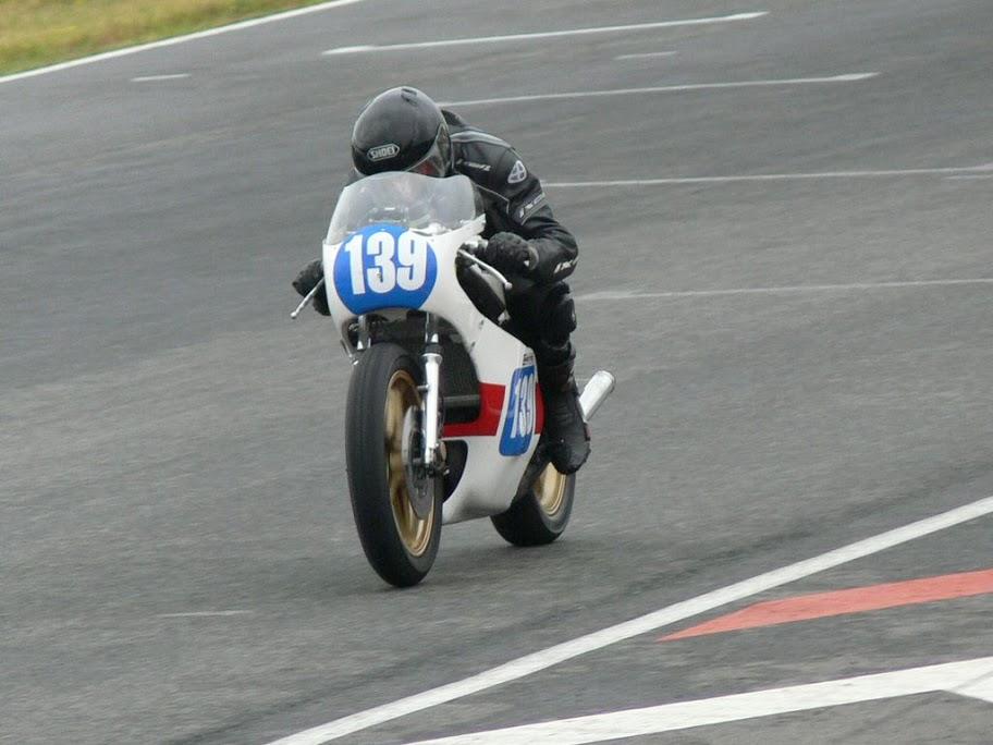 Équipe composites moto
