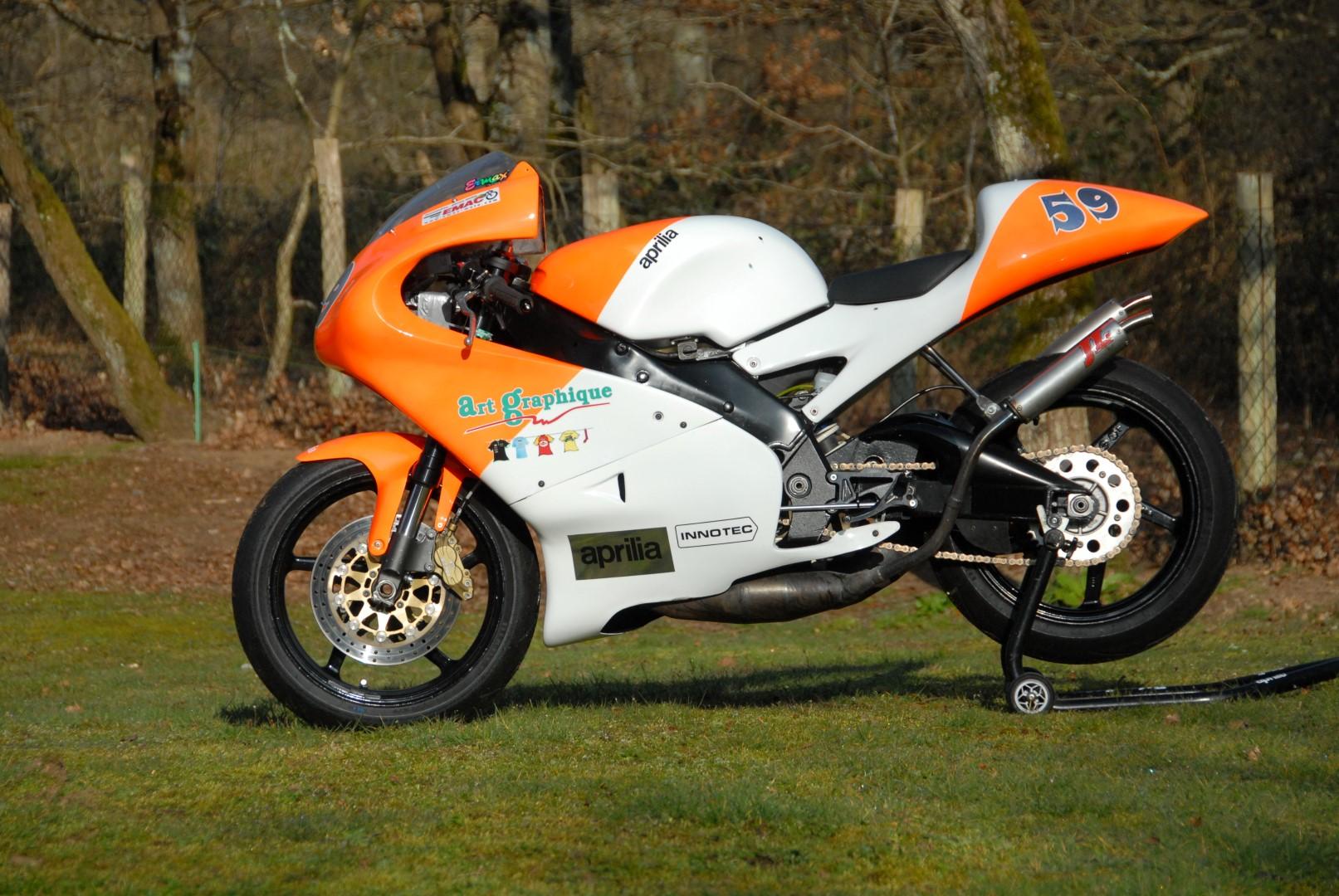 aprilia 250 rs composites moto. Black Bedroom Furniture Sets. Home Design Ideas